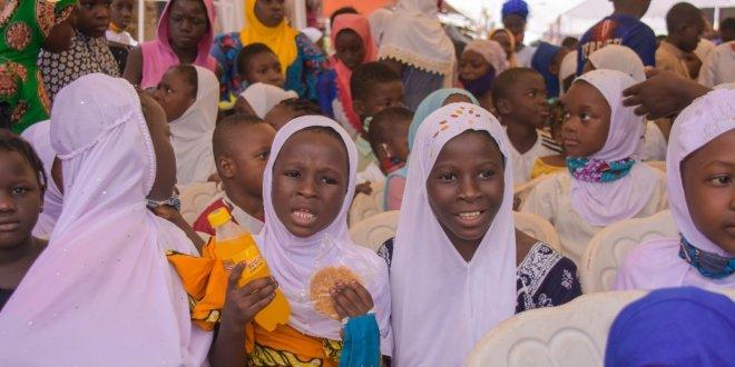 Heroes of COVID-19: GoldCoast Literacy Program gifting children smiles